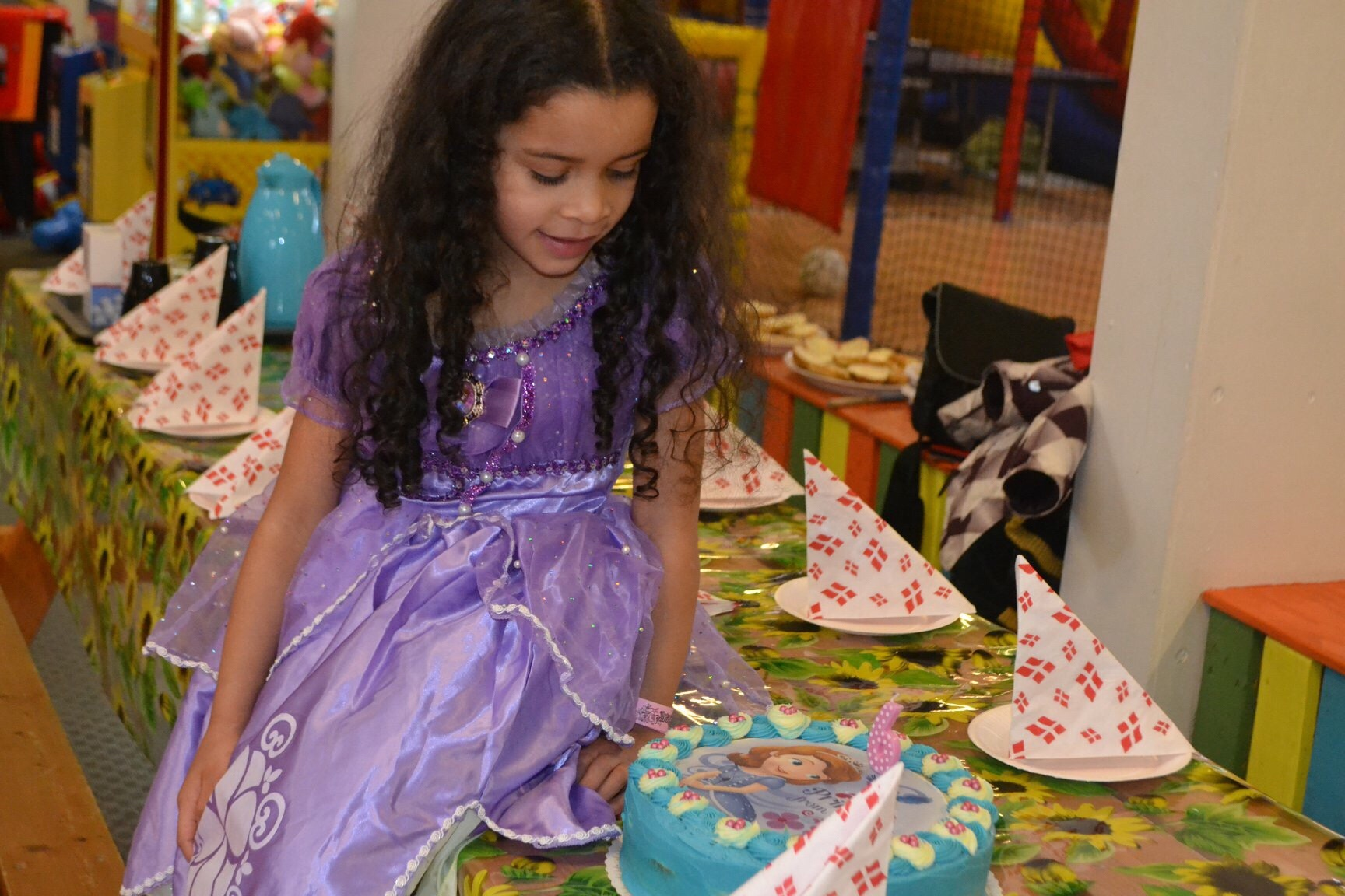 How to Organize A Birthday Party Using the K.I.S.S. Method